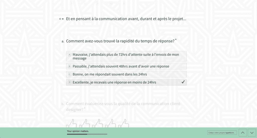 Sondage de satisfaction client: Préférer les choix de réponses aux questions à développement