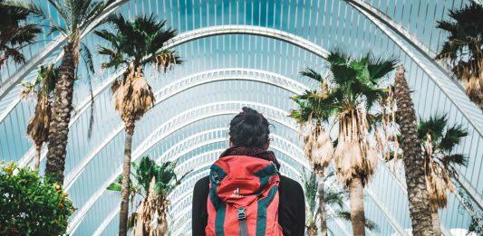 Voyager léger, voyage d'affaires, travailler en voyageant