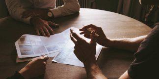 Trouvez un contrat ou un client?