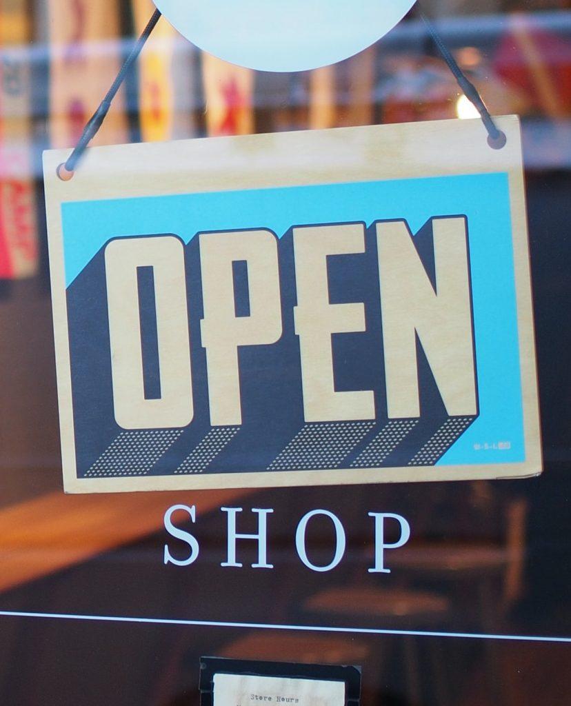 Les fonctionnalités de Shopify permettent de faire aisément le pont entre une boutique en ligne et une boutique ayant pignon sur rue.